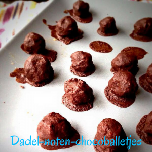 Dadel-noten-chocoballetjes